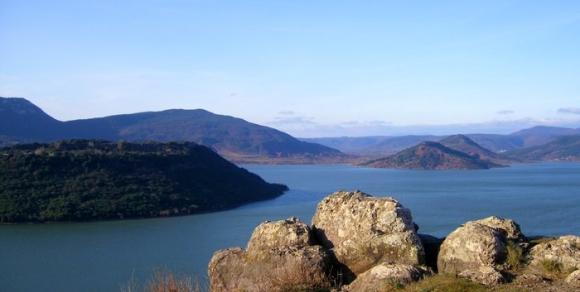 Lac du Salagou - Hérault, le Languedoc © Photothèque Hérault Tourisme - M. Delerue